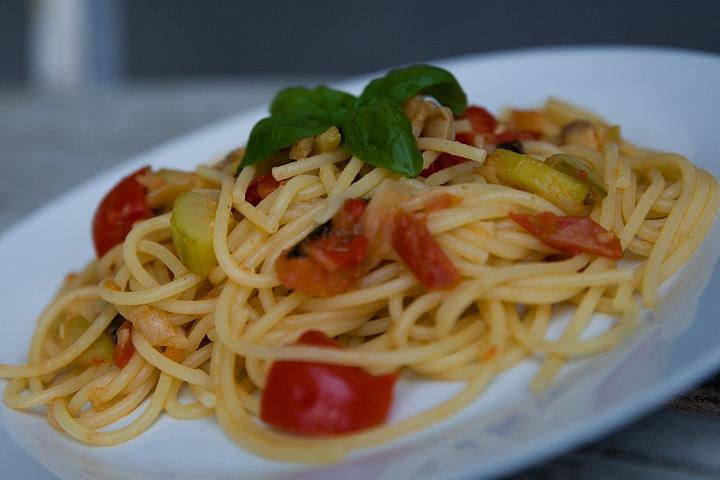 spagety-se-zeleninovou-omackou
