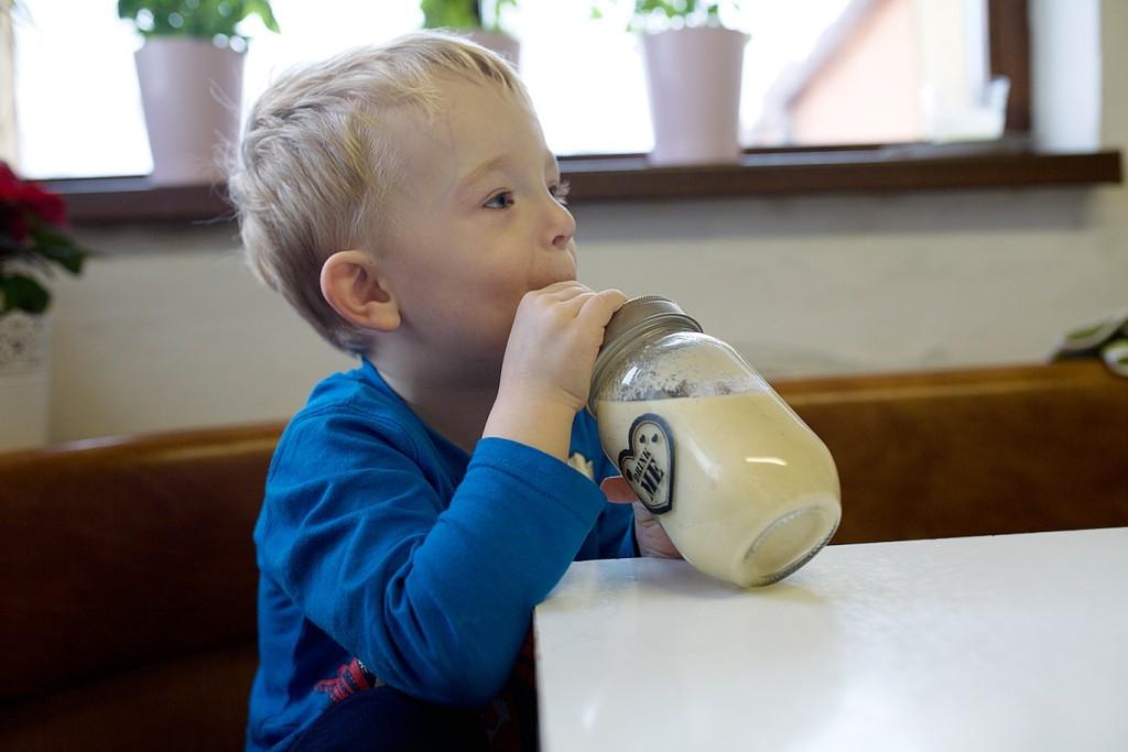 deti-smoothie-ovoce