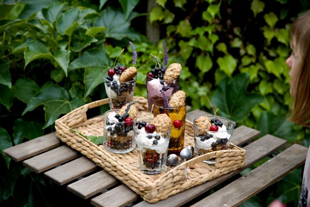 dezert s třešněmi