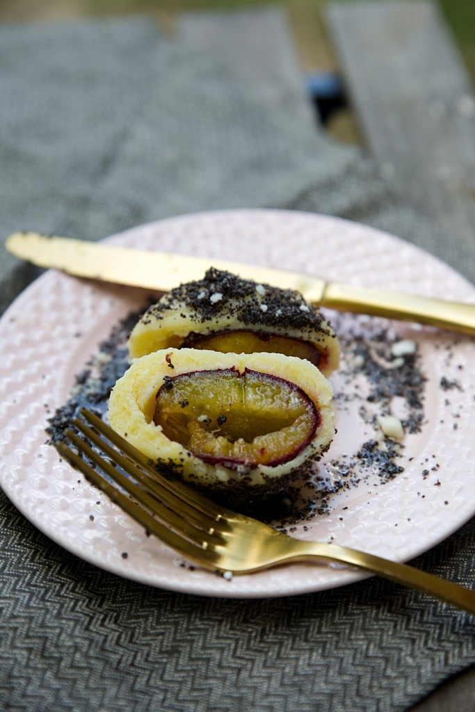svestkove-knedliky-z-bramboroveho-testa