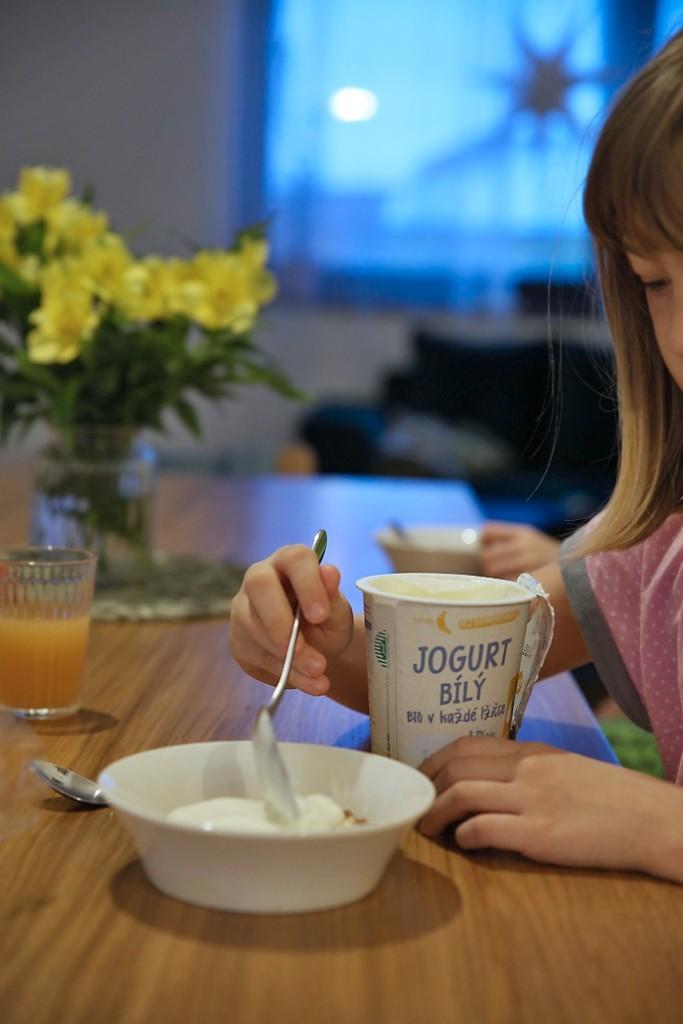 rohlik-jogurt