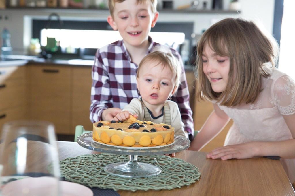 jablečný narozeninový dort