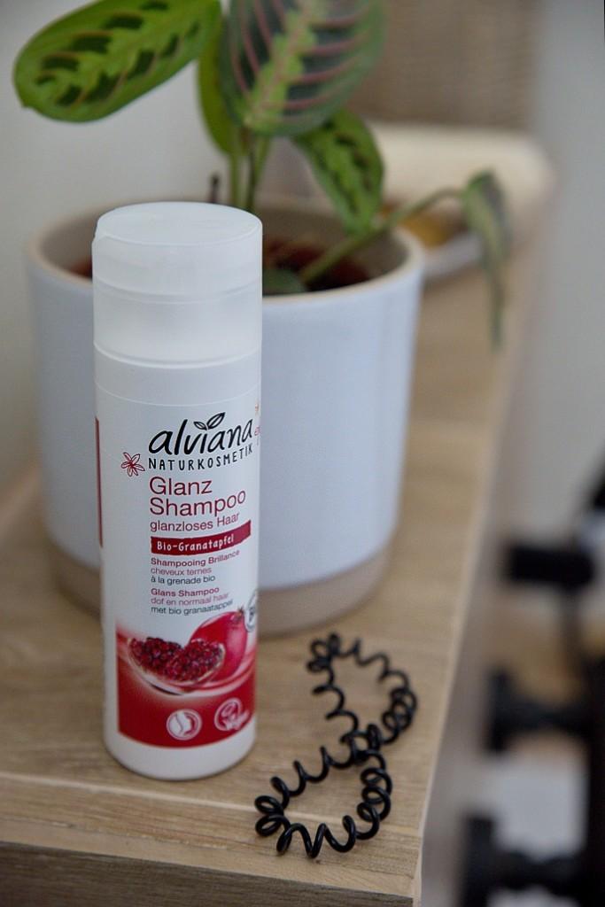 šampon pro lesk vlasů
