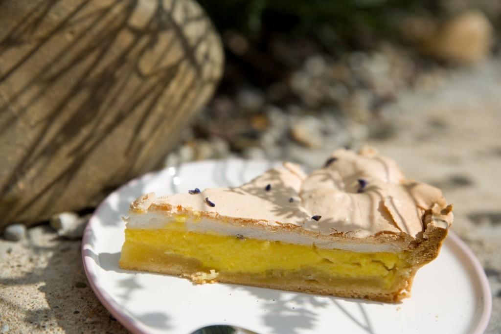 koláč s levandulí